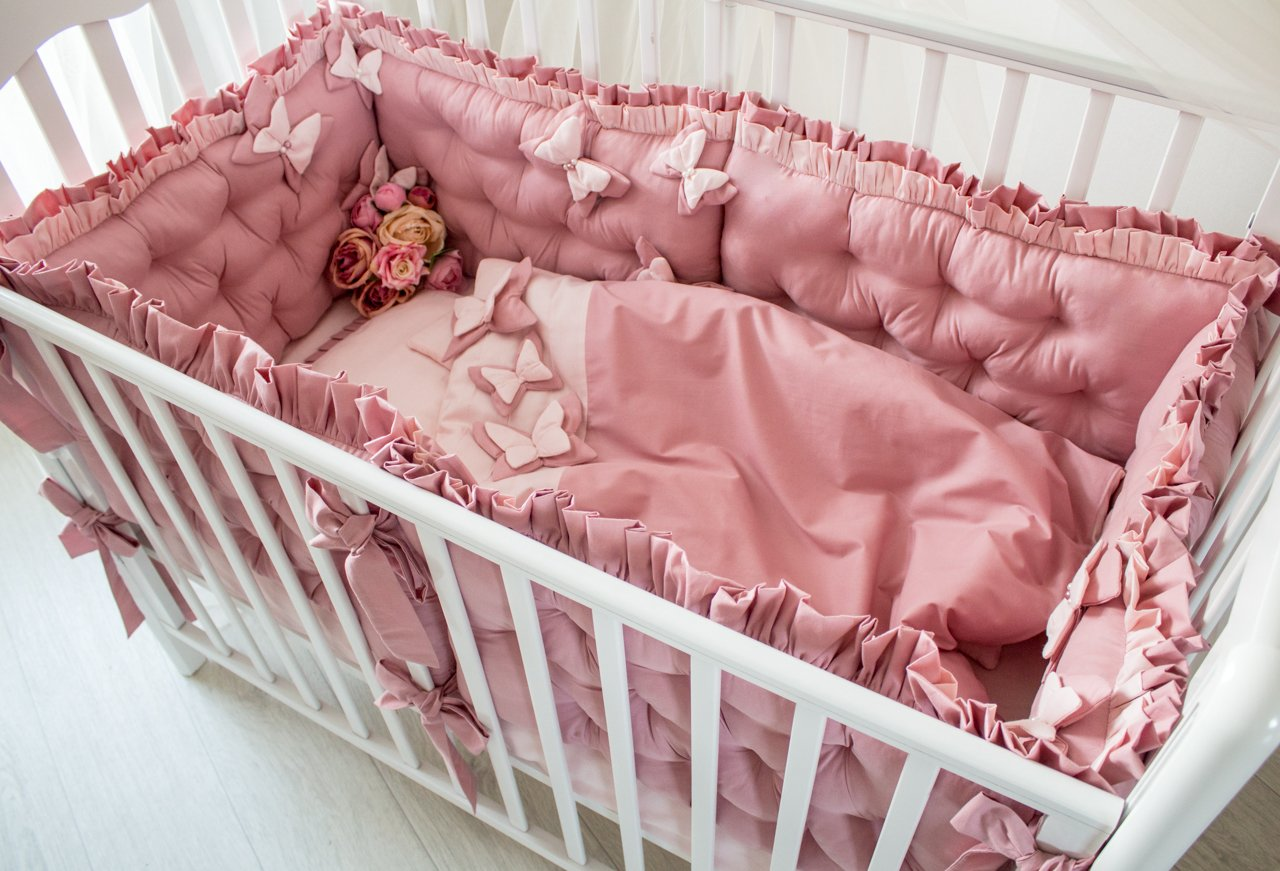 Комплект для малышей в кроватку